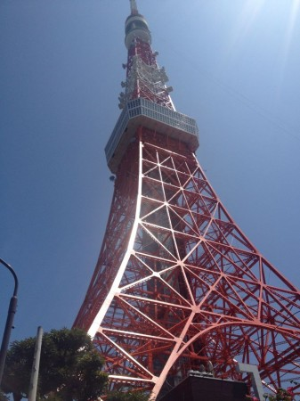 Tokyo_Tower_approach